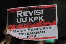 Dianggap Bertentanga Dengan UUD 45, Tiga Pimpinan KPK Uji Revisi UU KPK Ke MK