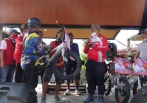 Jaga Stamina, Loekman Gowes Sepeda di Kecamatan Terbanggi Besar