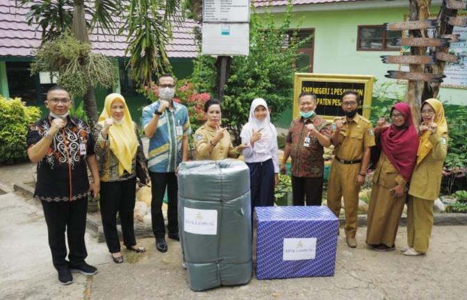 Raih Juara,  Aneza Marcella Dapat Penghargaan dari Bank Lampung