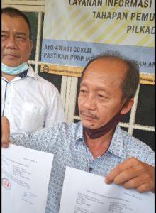 Dianggap Main Politik Uang, Dendi – Marzuki Dilaporkan Ke Bawaslu Pesawaran