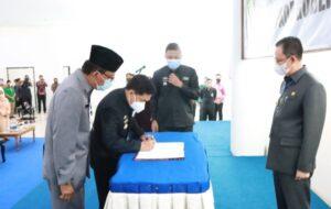 Sekda Lampung Hadiri Serah Terima Nota Pelaksana Tugas Pjs. Bupati Pesisir Barat