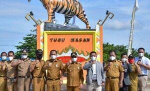 Dirut Bank Lampung Serahkan CSR ke Kabupaten Mesuji