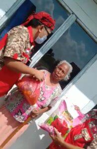 Jumat Berkah! DPD GML Metro Bagikan Paket Sembako dan Duit ke Warga Kurang Mampu