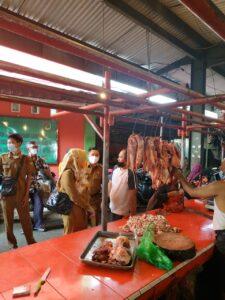 Cek Stok Daging Sapi, Disperindag – Disnak Lampung Kunjungi Pasar Pasir Gintung