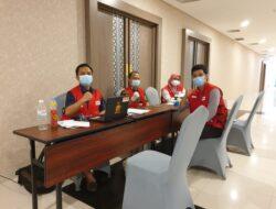 Gelar Aksi Donor Darah, Riana Sari Apresiasi Hotel Golden Tulip Springhill