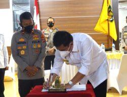 Musa Ahmad Tandatangani Naskah Hibah untuk Brimob Kompi B di Lampung Tengah