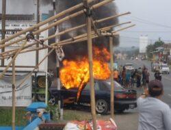Usai Mengisi Angin Ban, Mobil Timor Terbakar!