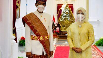 HUT ke-76 RI, Presiden Pakai Baju Adat Lampung Bro….