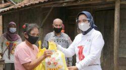Jumat Barokah, TP PKK Lampung Terima Paket Bantuan