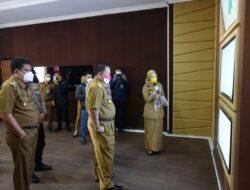 Kepada Gubernur Lampung, Musa Ahmad Pamerkan Ruang Pusat Penanganan Covid-19 di Lampung Tengah